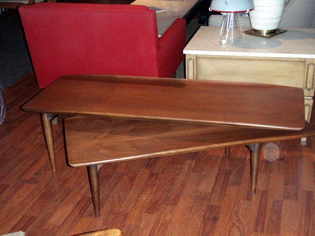 - Gallery :: -> SOLD Tables :: P8091542