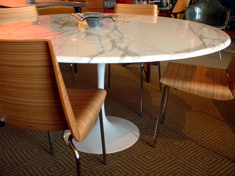Gallery SOLD Tables Saarinentulip - Saarinen round dining table 60