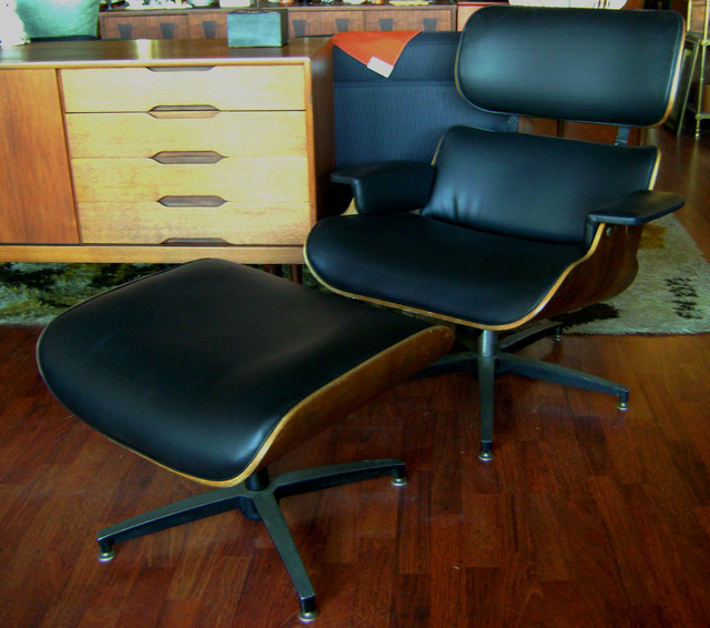 Fabulous Eames Style Lounge Chair By Selig, Newly Reupholstered.Chair:32  Inches Wide