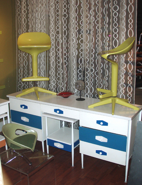 Cool mod early 1960's Nelson ala  VISTA style desk/dresser set in blue and white-has its original coordinating swiveling desk chair and sidetable/nitestand. 